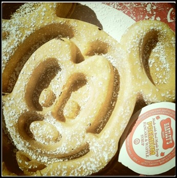 mickey mouse waffles magic kingdom