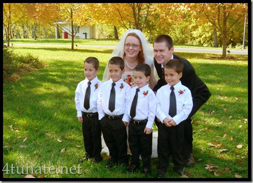 outdoor wedding pictures in the fall in indiana