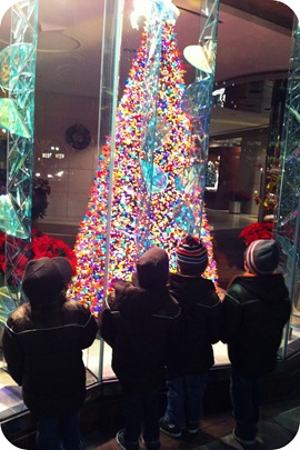 christmas lights at monument circle ipl window indianapolis