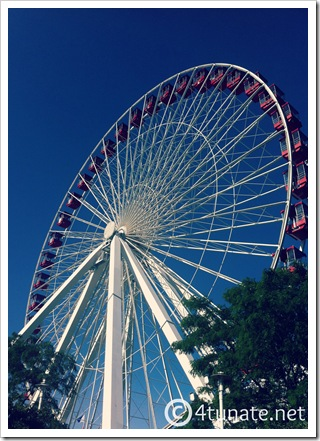 summer navy pier chicago ferris wheel