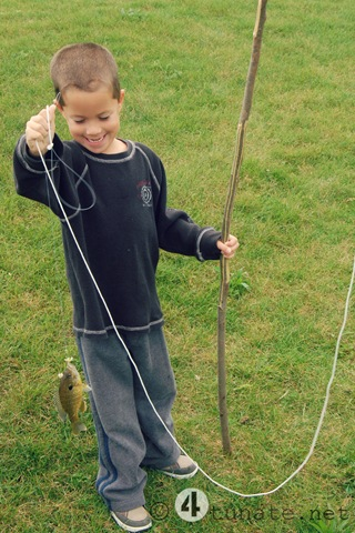 how to make a fishing pole in the wild