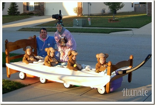 5 little monkeys jumping on the bed halloween costume for kids
