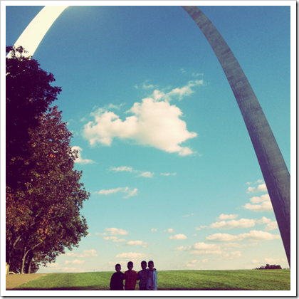 st. louis gateway arch family picture