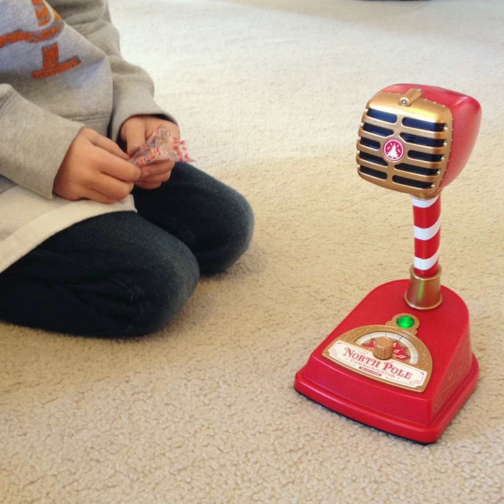 hallmark-north-pole-communicator