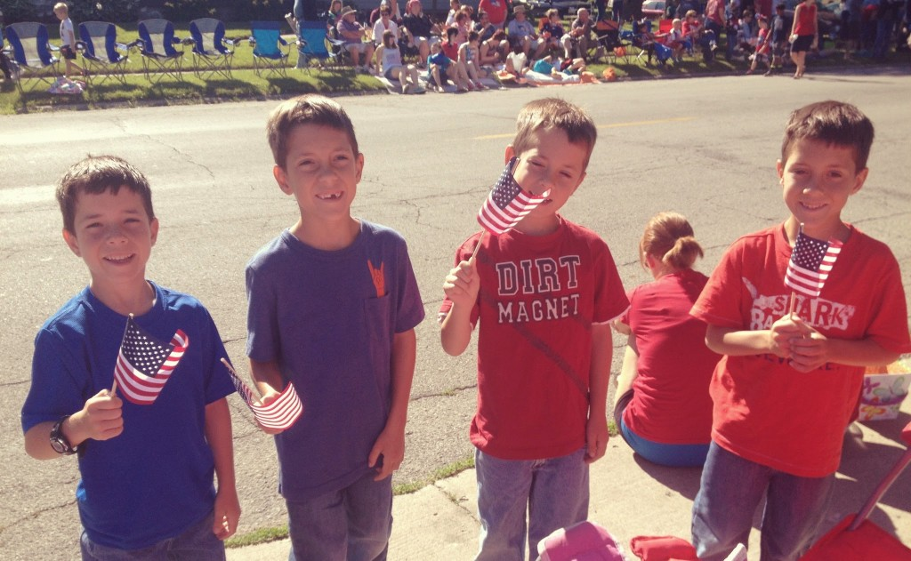 4th-of-july-parade-brownsburg-kids