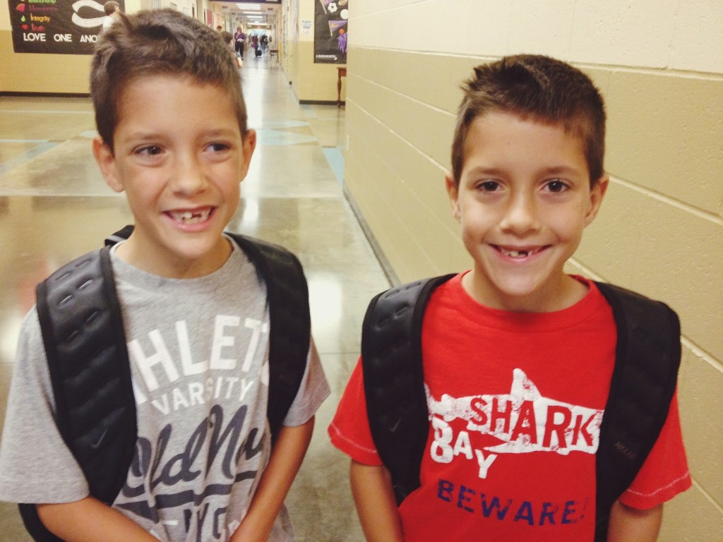 toothless-twins