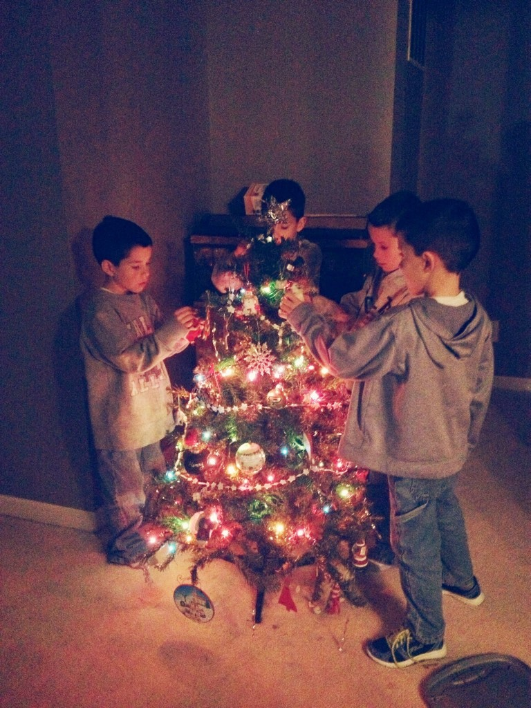 kids-tree-tradition